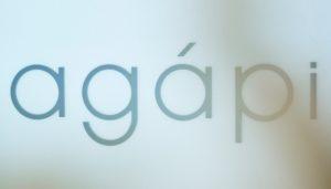 """agapiとはギリシャ語で""""愛""""という意味で お1人お1人の人生のご主役として生きる そのお手伝いをする場所として 誕生しました。 """"時間""""を共有し、人生を高める 本質的なサロンです。"""